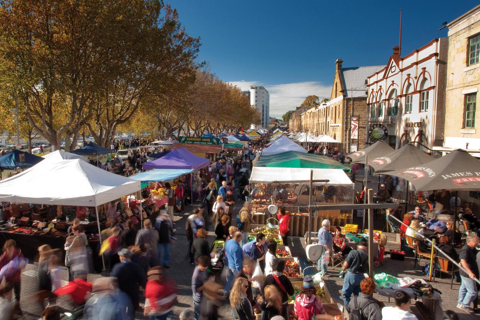 Crowds at Salamanca Market