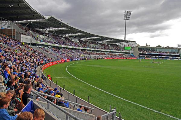 AFL Football at Blundstone Arena in Bellerive Hobart