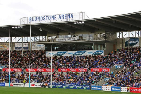 AFL Football at Blundstone Arena in Hobart