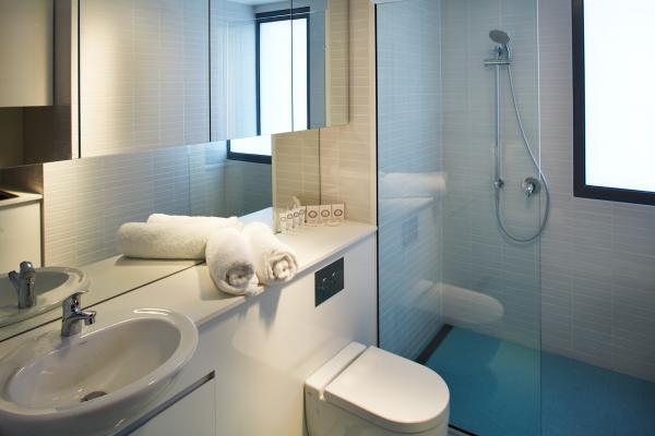 Bathroom in Premium Apartment Accommodation Salamanca Wharf Hotel