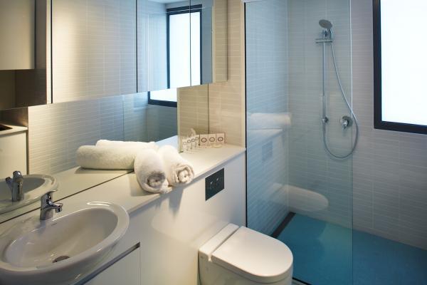 Bathroom in Premium Apartment Accommodation Salamanca Wharf Hotel